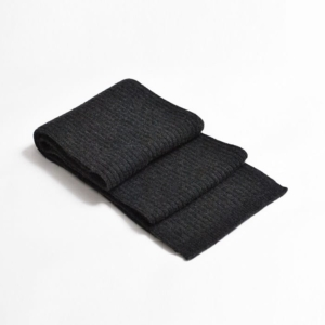 100% cashmere ribbed scarf in charcoal