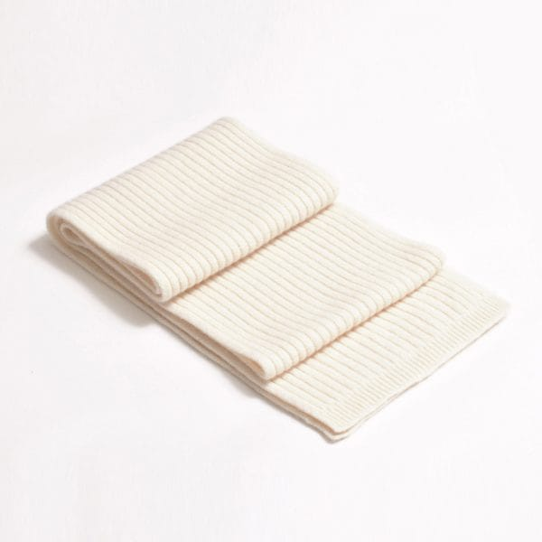 100% cashmere ribbed scarf in cream