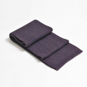 100% cashmere ribbed scarf in light grape