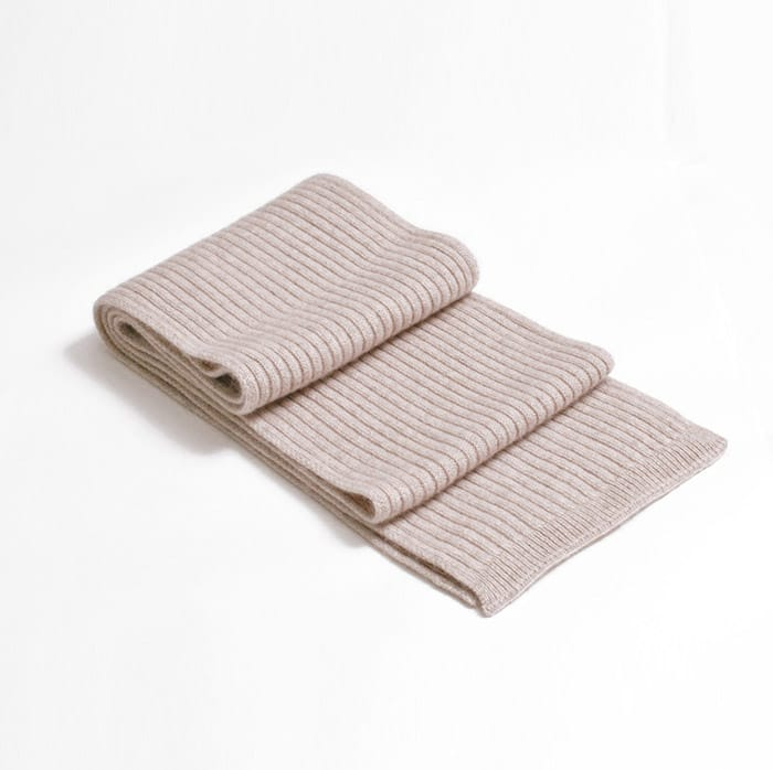 100% cashmere ribbed scarf in light stone