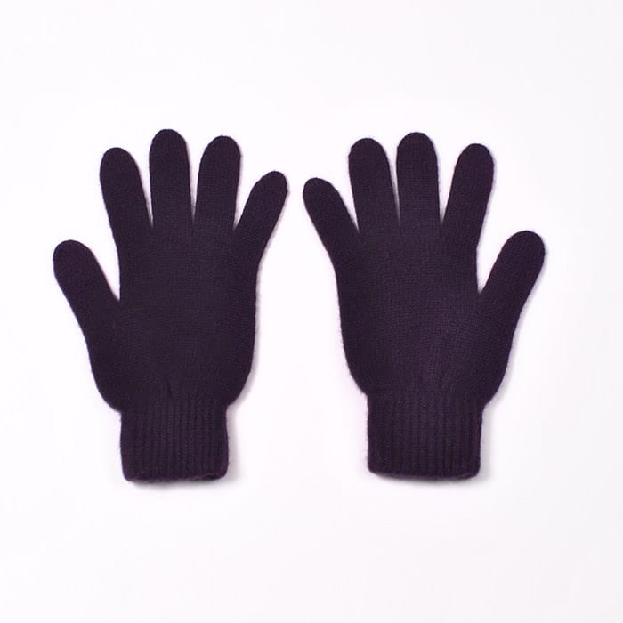 100% cashmere full finger gloves in blackcurrent