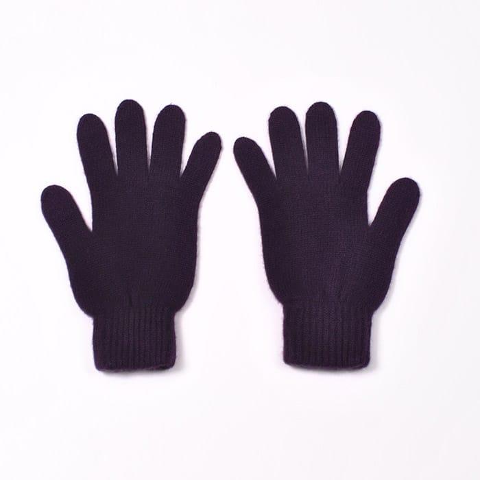 100% cashmere full finger gloves in blackcurrent